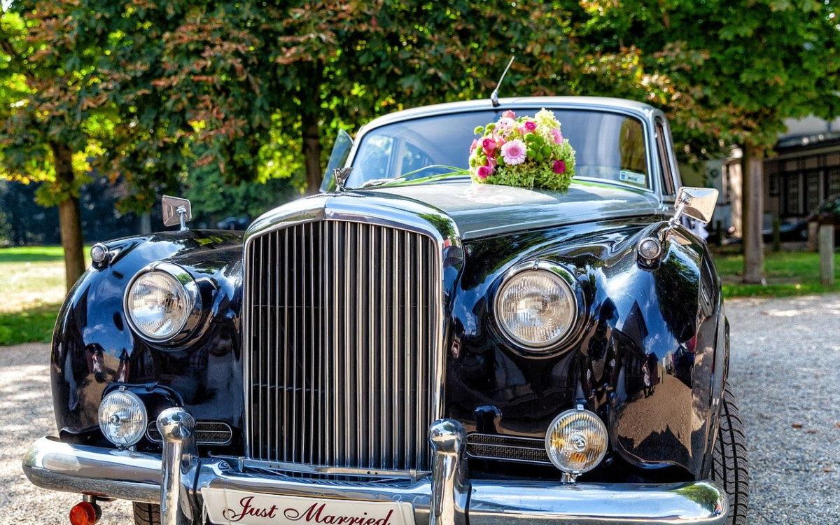 Oldtimer Hochzeitsauto für Hochzeitsfahrten