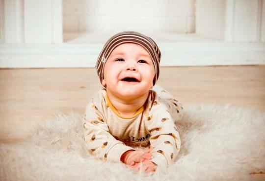 Strampler als Babykleidung